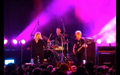 LP-16 on tour with Bonnie Tyler